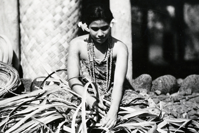 Samoan woman weaving